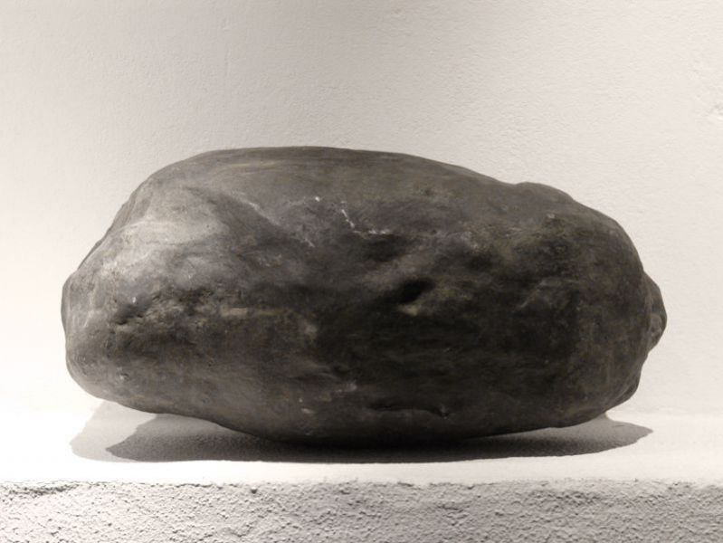 from the series 'Silence / 5 elements in bronze and aluminium, probably detached from a graphite and oil drawing, yet to be realized', casted bronze, 80 x 40 x 35 cm, 2010